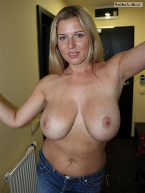 Incredible Milf Shows Her Amazing Big Breasts To The Cam