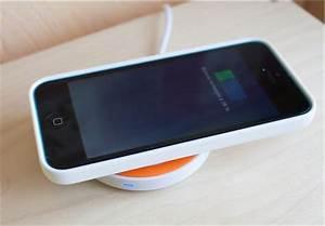 Chargeur Qi Iphone : test de iqi mobile l 39 accessoire qui recharge l 39 iphone ~ Dallasstarsshop.com Idées de Décoration