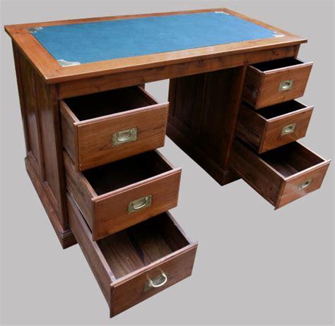 bureau bois exotique bureau à caissons en bois exotique 6 tiroirs