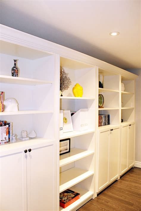 Ikea Bookcases And Shelves by Am Dolce Vita Accessorizing Built In Shelves And Bookcases