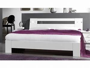 Lit Blanc Adulte : lit indigo chambre a coucher chene clair ~ Teatrodelosmanantiales.com Idées de Décoration