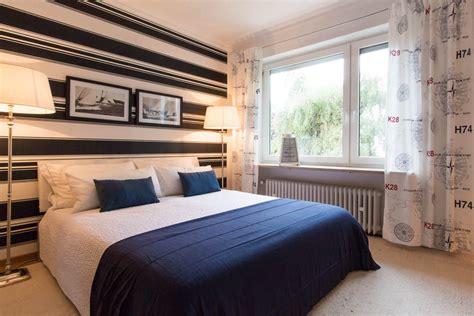 maritimes schlafzimmer  blau weiss roomidocom