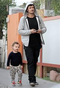 Orlando Bloom takes fashion-conscious tot Flynn out ...