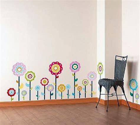 Kreative Wandgestaltung Mit Farbe Ideen Fuer Jedes Zimmer by Wandtattoo Blumen Kreative Wandgestaltung Freshouse