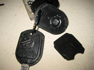 Ford-Mustang-Key-Fob-Battery-Replacement-Guide-004