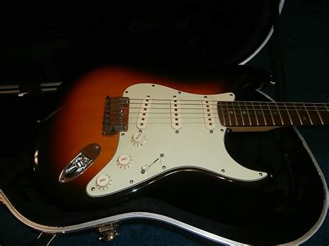 lightly used 2004 fender american deluxe stratocaster reverb