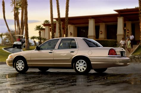 Ford Recalls 370000 Crown Victoria Grand Marquis And