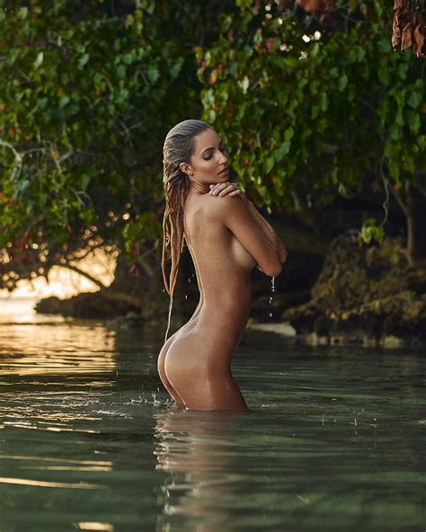 Anna Louise Nude And Sexy Photos Scandal Planet