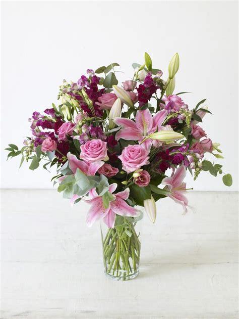 Flower Arranging Vases by 25 Best Ideas About Vase Arrangements On