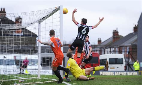 Grimsby Town 0 Luton Town 1
