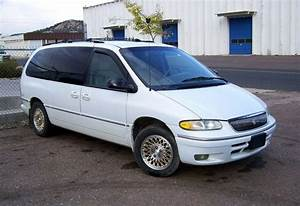 Manual Raeder  1997 Chrysler Town And Country Workshop Manual
