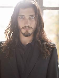 Coiffure D Homme : la mode cheveux long pour les hommes pour ou contre coiffure cheveux coiffure homme ~ Melissatoandfro.com Idées de Décoration