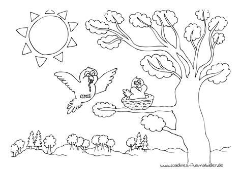 Download von bastelvorlagen zum ausdrucken auf freewarede. Ausmalbild Vogel mit Wurm und Vogelnest im Baum