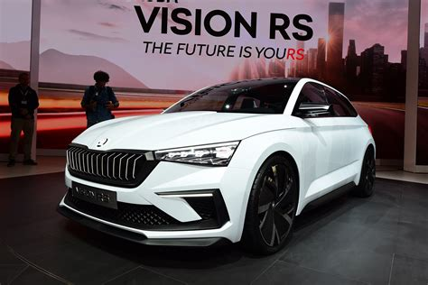 skoda vision rs concept hints   golf rival carbuyer