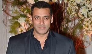 Da-Bangg Tour 2017: Salman Khan grooves to popular ...