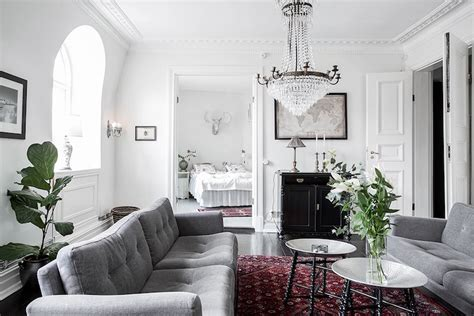 Scandinavian home design combining white, black and
