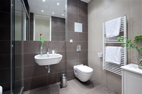 Wondering how modern bathroom designs are used in apartments in different countries of the world. Chic Studio Apartment | Svoboda&Williams