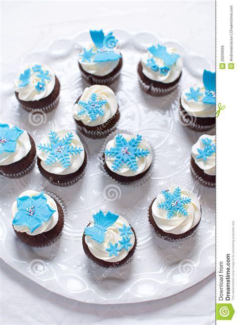 winter cupcakes  fondant flower decorations royalty