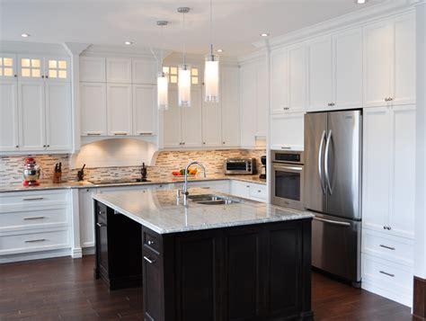 quartz cuisine cuisine en bois laqué comptoir de quartz ébénisterie s