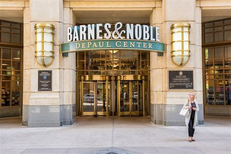 barnes n noble these are the most loved retailers in america according