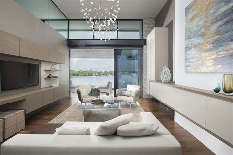 Interior Design : Contemporary Waterfront Elegance