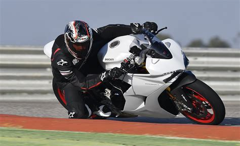 Sport Vs Supersport by 2017 Ducati Supersport Review