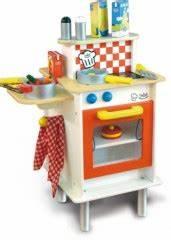 Cuisine En Bois Enfant Pas Cher : jouet garcon solde jeux pour les filles ~ Teatrodelosmanantiales.com Idées de Décoration