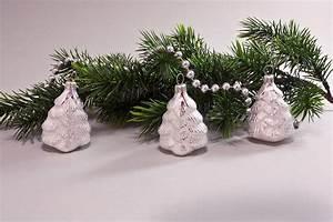 Weihnachtskugeln Aus Lauscha : 3 kleine b umchen eiswei silber christbaumkugeln ~ Orissabook.com Haus und Dekorationen