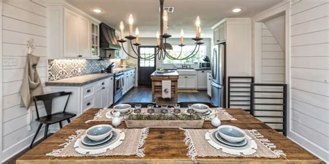 Hgtv Fixer Upper Boat House by Photos Waco S Quot Fixer Upper Quot Homes That You Can Rent