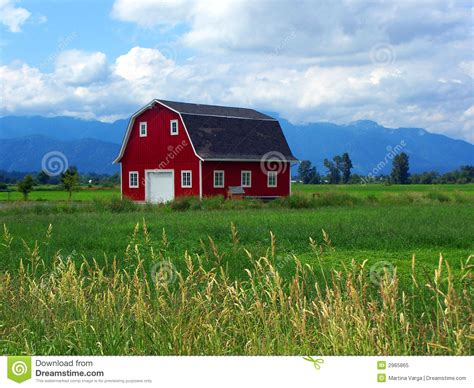 Red Barn Stock Image. Image Of Wheat, Barn, Grass