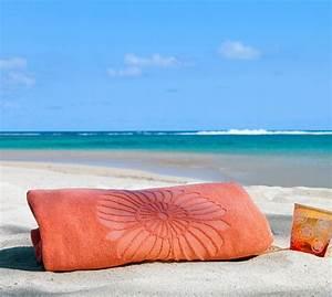 Grande Serviette De Bain : la serviette de plage 80 variants chic et originales ~ Teatrodelosmanantiales.com Idées de Décoration
