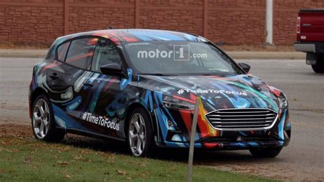 ford focus spotted testing  funky colours