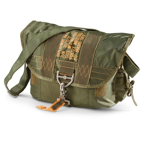 tactical parachute shoulder bag with latch 618911
