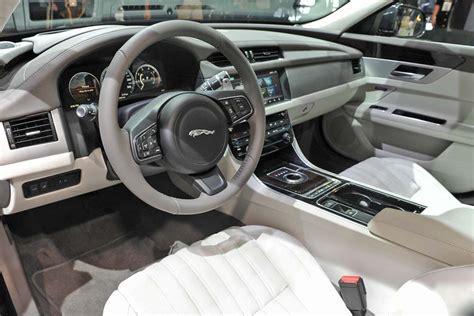 Interior-jaguar-xf-2016