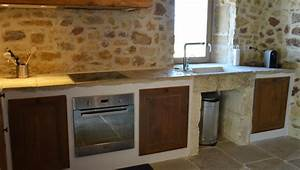 cuisine en pierre pierre naturelle qui irait a merveille With cuisine avec mur en pierre
