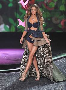 Rosie Huntington-Whiteley and Victoria's Secret Fashion ...