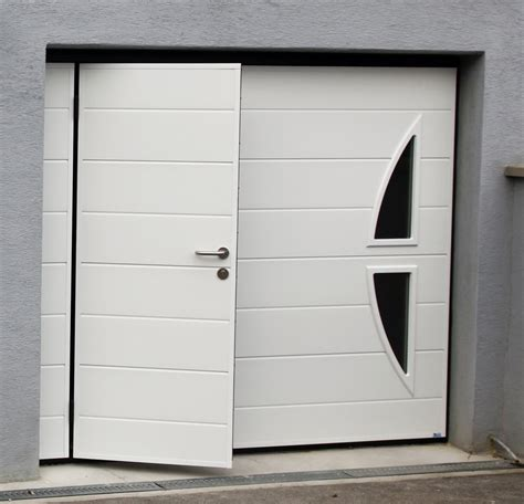 porte de garage avec portillon porte de garage basculante w1r