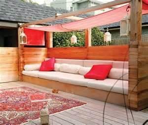 sofa aus paletten bauen sofa aus paletten eine perfekte vollendung des interieurs
