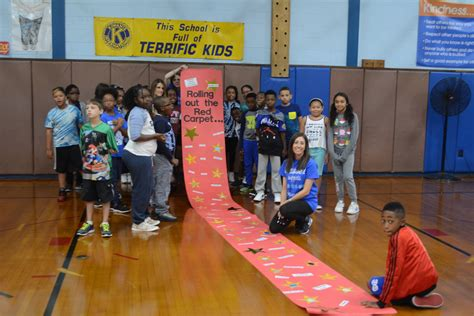 meadow elementary show school spirit herald community newspapers