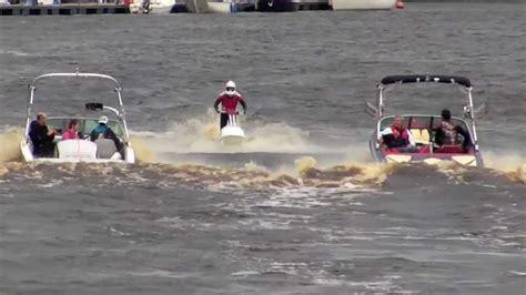 Mastercraft Jet Boats by Mastercraft Stunts Jet Ski Water Ski And Speed Boats On