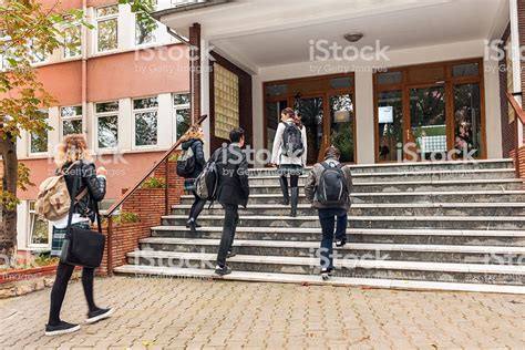 turkish students going to school istanbul stock more of 18 19 years istock