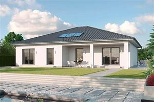 Haus Mit Veranda Bauen : walmdachbungalow mit putzfasse und berdachter terrasse ~ Sanjose-hotels-ca.com Haus und Dekorationen