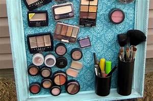 Tableau Aimanté Pour Photos : un tableau magn tique pour produits de maquillage ~ Teatrodelosmanantiales.com Idées de Décoration