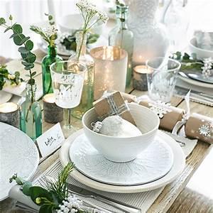 Christmas Table Setting With Natural Charm Christmas
