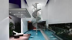 maison moderne avec une magnifique piscine interieure With entree exterieur maison moderne 6 maison moderne avec une magnifique piscine interieure