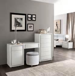 schlafzimmer beige wei grau luxus schlafzimmer set spektakuläre möbelstücke camelgroup freshouse