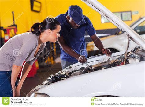 Frau In Garage by Car Repair Stock Photos Image 30459583