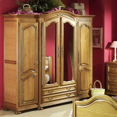 armoire basse chambre meuble armoire chambre homeandgarden