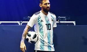 Telstar 18 unveiled as 2018 World Cup ball - Sport - DAWN.COM