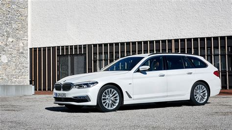 Modifikasi Bmw 5 Series Touring by Bmw 5 Series Touring 2017 Review By Car Magazine
